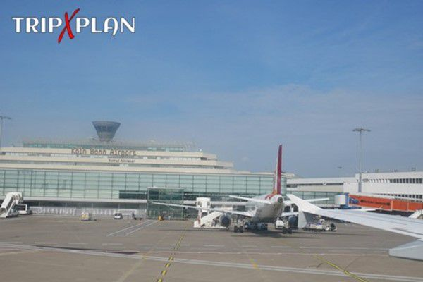 How to Get from Cologne Airport to City Center